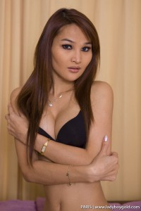 gorgeous asian ladyboy nude